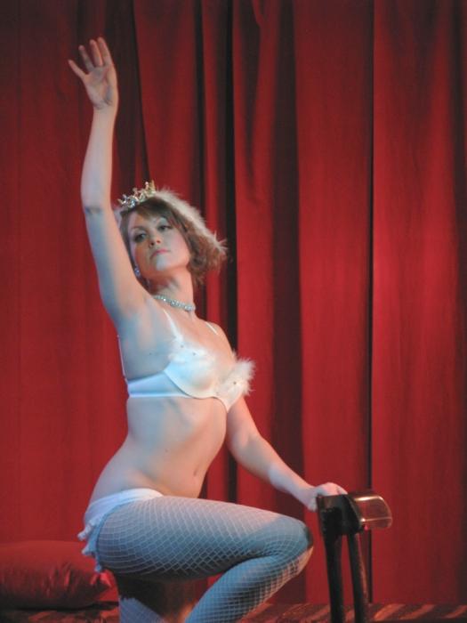 Nicolette le Faye Nude Photos 75